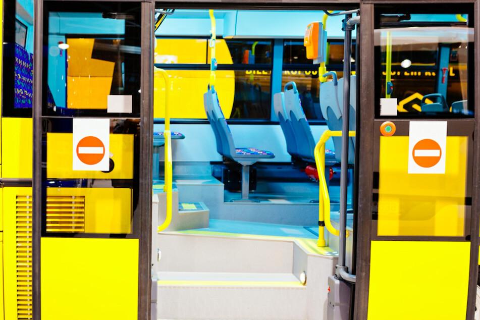 Die Bustüren wurde für eine Frau im Allgäu zur Falle. (Symbolbild)