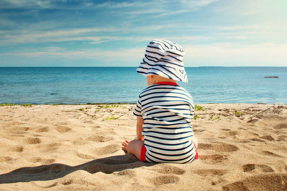 An einem Badestrand in Polen verwechselte eine betrunkene Mutter ihren leiblichen Sohn mit einem fremden Kind. (Symbolbild)