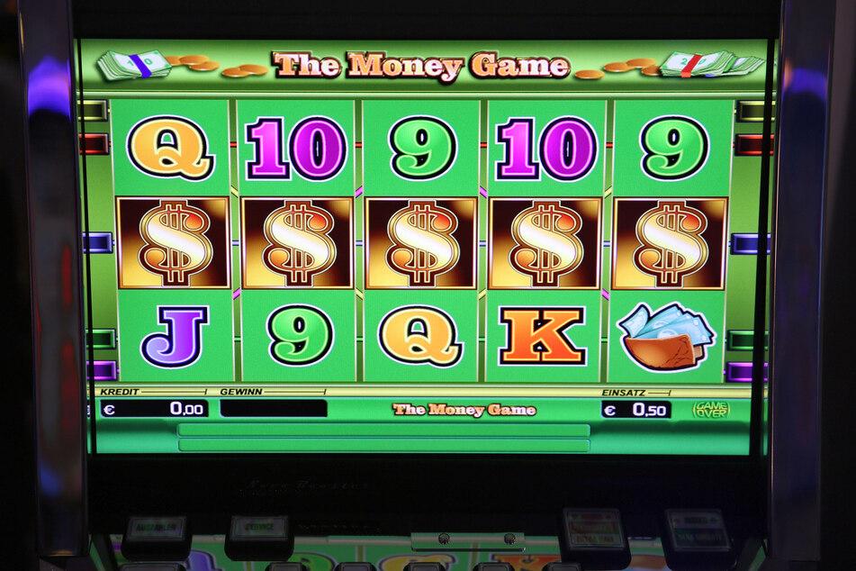 Auf den Sieg folgte Ernüchterung: Ein Mann wurde nach seinem Glücksspielgewinn ausgeraubt. (Symbolbild)