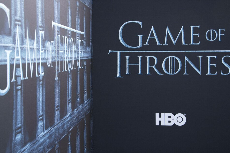 Game of Thrones pilot originally featured an aroused horse and bad costumes