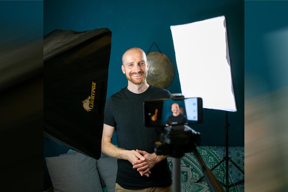 Handyvideos für seinen Netzauftritt produziert Arne recht professionell daheim.