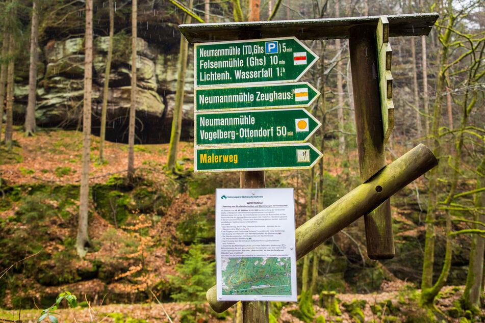Der Nationalpark hat an den nahegelegenen Wegweisern Karten mit den Sperren ausgehängt.