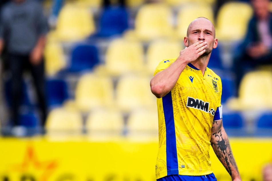 Ex-Dynamo Toni Leistner wird für neuen Klub zum Retter: Last-Minute-Ausgleich gegen Spitzenverein!