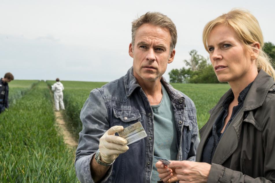 Jan Maybach und Ina Zimmermann tragen die ersten Erkenntnisse im Fall der tot aufgefundenen Alina Ziegler zusammen.