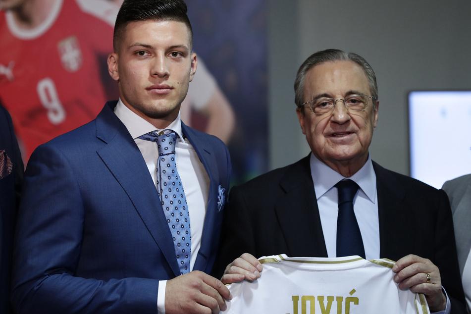 2019 ließ sich Präsident Florentinoi Perez die Dienste von Luka Jovic noch 60 Millionen Euro kosten. Einen Luxus, den man sich in diesem Jahr nicht leisten will und kann.