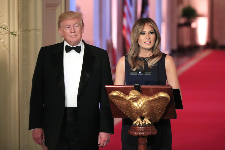 Melania Trump und Donald Trump bei einem Dinner im Weißen Haus 2019 (Foto: Manuel Balce Ceneta/AP/dpa).