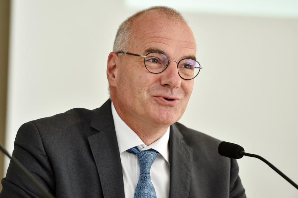 """Sachsens """"Ober-Arzt"""" Erik Bodendieck."""