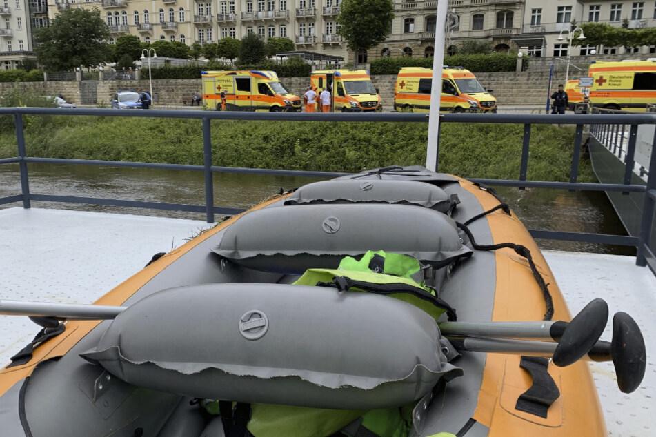 Das Kanu wurde gerettet, zahlreiche Einsatzkräfte waren vor Ort.