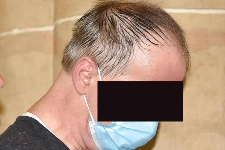 Thomas S. (48) zahlte laut Staatsanwältin 60 bis 200 Euro pro Kinderporno. Gegen ihn wird es einen gesonderten Prozess geben.