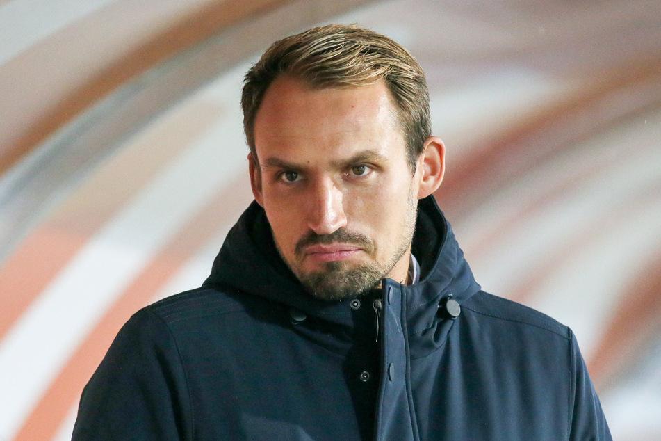 FSV-Sportchef Toni Wachsmuth (34) ärgert sich über die kurzfristige Absage.