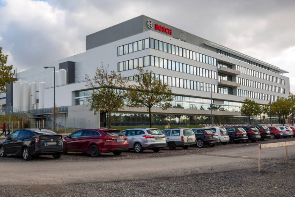 Bosch allein schafft im Dresdner Norden etwa 700 Arbeitsplätze. Die Verkehrsbetriebe wollen reagieren.