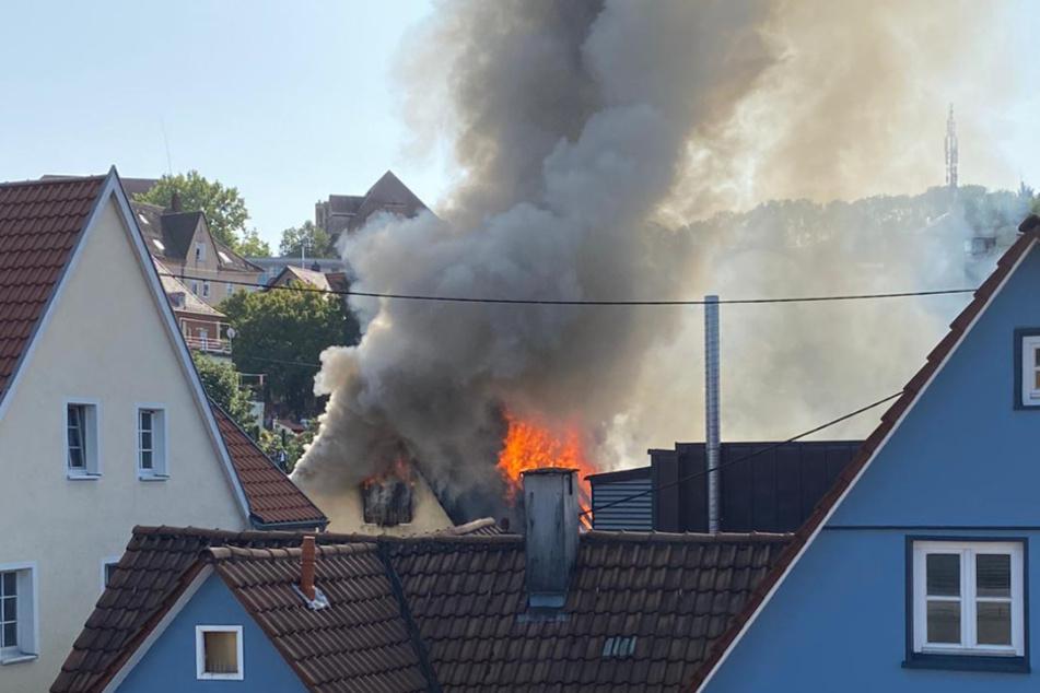 Fachwerkhaus in Backnang stürzt nach Brand teilweise ein
