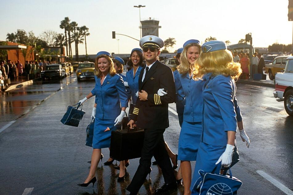 """Steven Spielberg schuf eine Vielzahl an ikonischen Filmklassikern: Szene aus """"Catch Me If You Can"""" mit Leonardo DiCaprio (46)."""