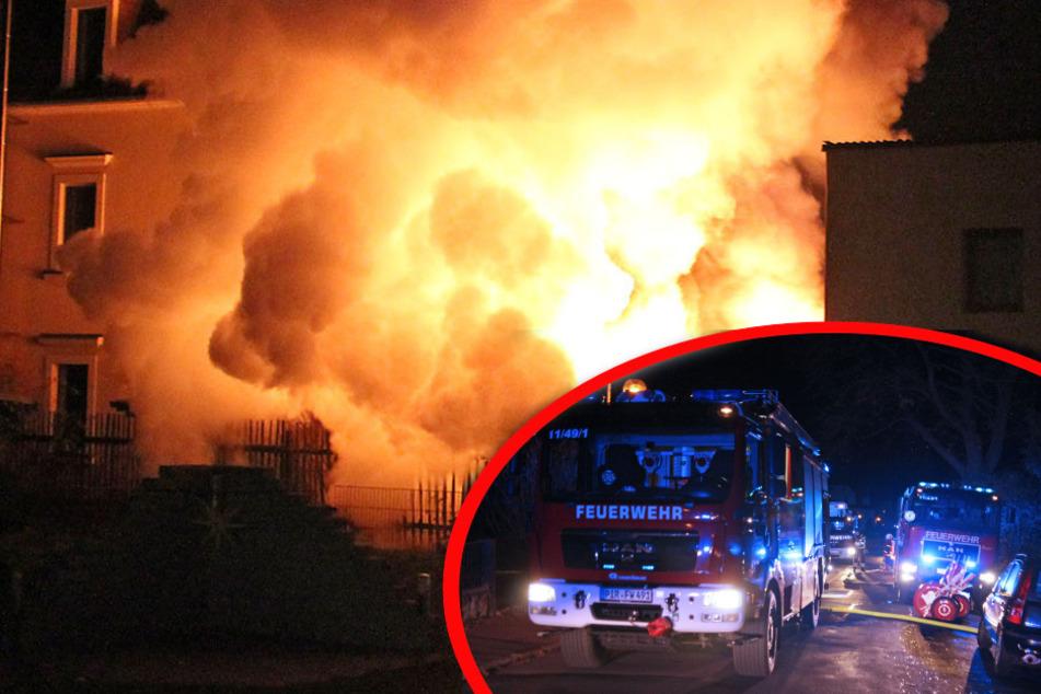 Dresden: Garage mit Solardach in Flammen: Feuerwehr mit nächtlichem Einsatz!