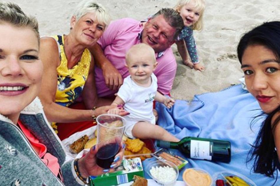 Dieses Familienfoto sorgte für eine Flut an Hasskommentaren.