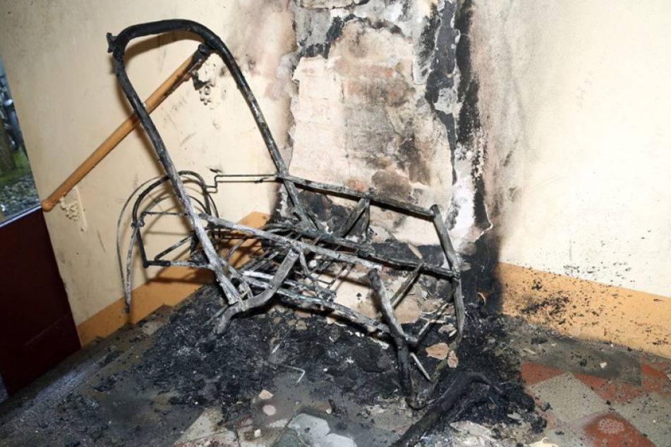 Kripo ermittelt: Kinderwagen fackelt in Wohnhaus ab