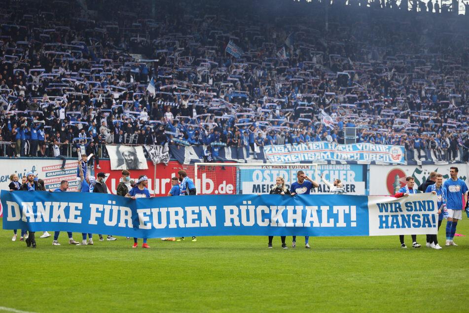 Können der FC Hansa Rostock und Dynamo Dresden in der neuen Saison wieder auf die Unterstützung ihrer Fans hoffen? Wünschenswert wäre das - sofern es die Corona-Lage zulässt.