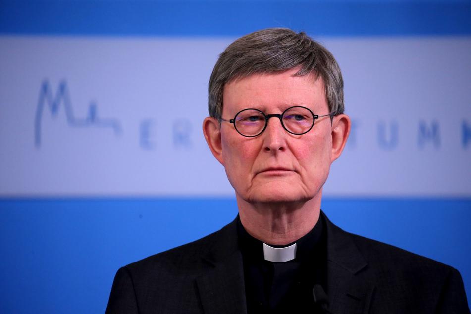 Wie das Erzbistum am Dienstag in Köln mitteilte, schließt sich Kardinal Rainer Maria Woelki (64) dem umstrittenen Nein des Vatikans zur Segnung homosexueller Paare an.