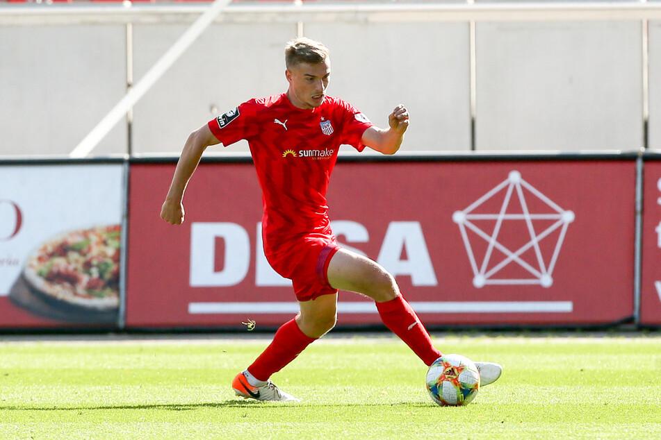 Elias Huth trug im Juli noch das Zwickauer Trikot. Kehrt der Angreifer im Winter per Leihe vom 1. FC Kaiserslautern zurück zu den Westsachsen?