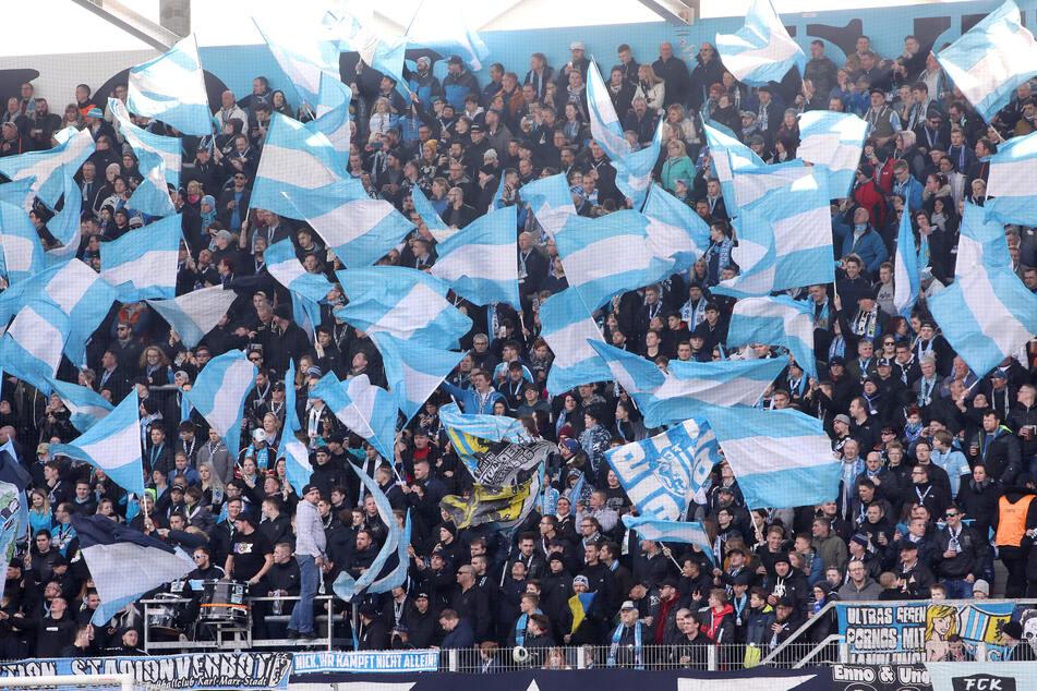 So voll wird die Tribüne mit den CFC-Fans am Freitag sicher nicht, aber immerhin dürfen zum Regionalliga-Auftakt 7500 Zuschauer ins Stadion. (Archivbild)