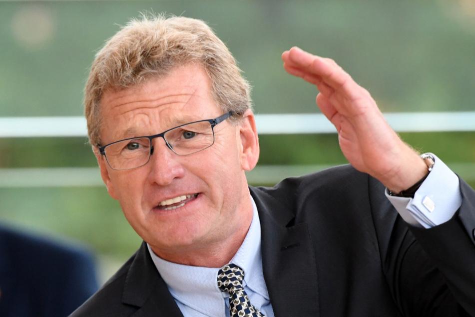 Schleswig-Holsteins Verkehrsminister Bernd Buchholz (FDP) bei einer Rede im Parlament in Kiel.