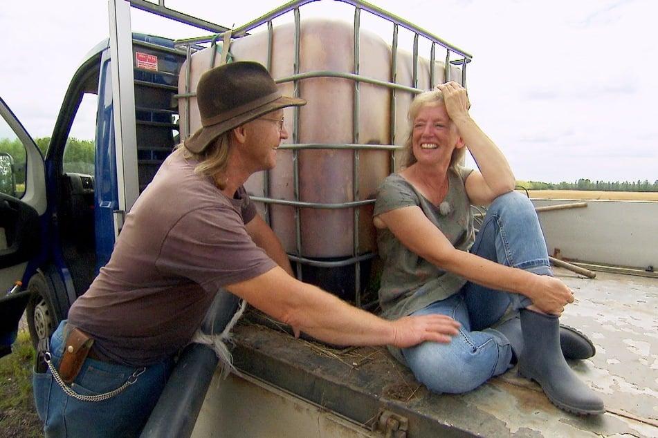 Haben sich offenbar gesucht und gefunden: Rinderzüchter Lutz (52) und Steffi (54).