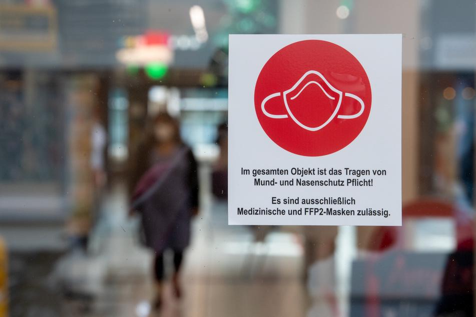 Wenn es nach der FDP geht, soll die Maskenpflicht in NRW bald größtenteils der Vergangenheit angehören.