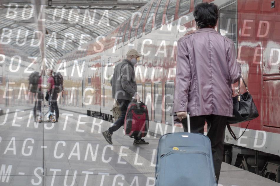 Annullierte Flüge und abgesagte Bahnfahrten in der Corona-Krise lassen die Zahl der Kundenbeschwerden in die Höhe schnellen.