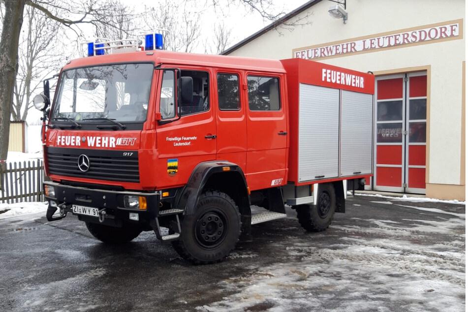 Feuerwehrchef versteigert Lösch-Fahrzeug im Internet