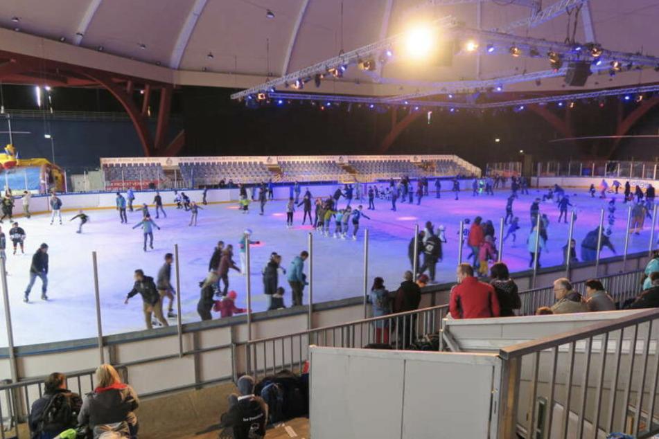 Unregelmäßig wurde die Eishalle im Leipziger Kohlrabizirkus auch für Hobby-Sportler geöffnet - diese Möglichkeit soll bald ausgebaut werden. (Archiv)