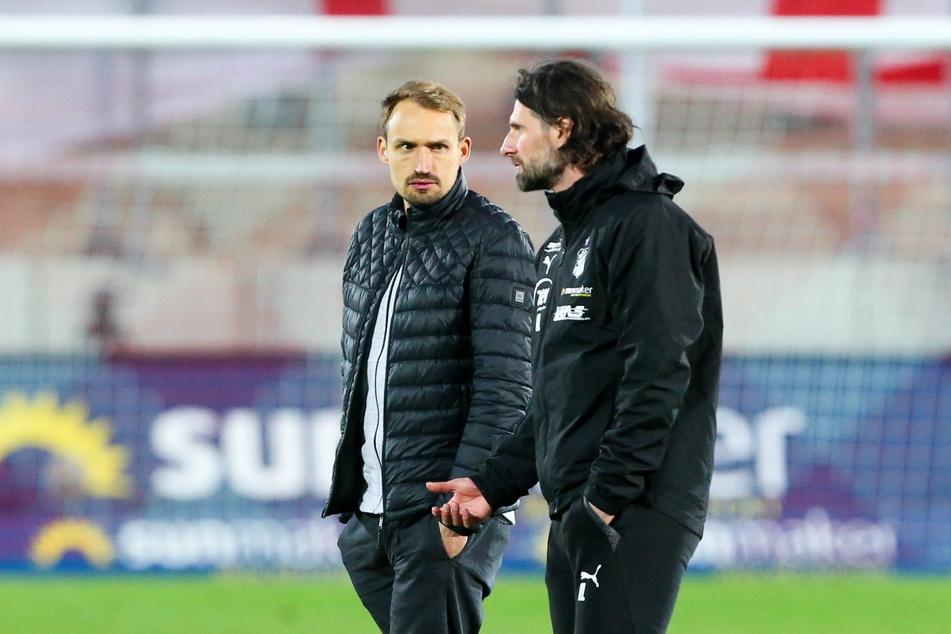 Toni Wachsmuth (34, h.) und Co-Trainer Robin Lenk (37) verfallen nicht in Hektik. Bisher hat Zwickau noch keine Neuen dargestellt.