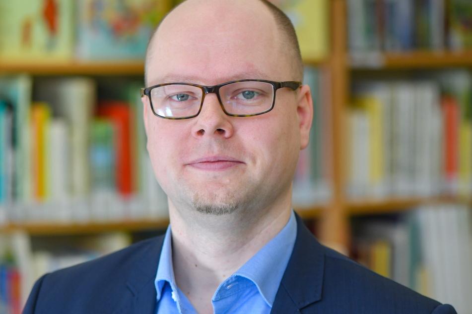 Domowina-Vorsitzender Dawid Statnik (38).