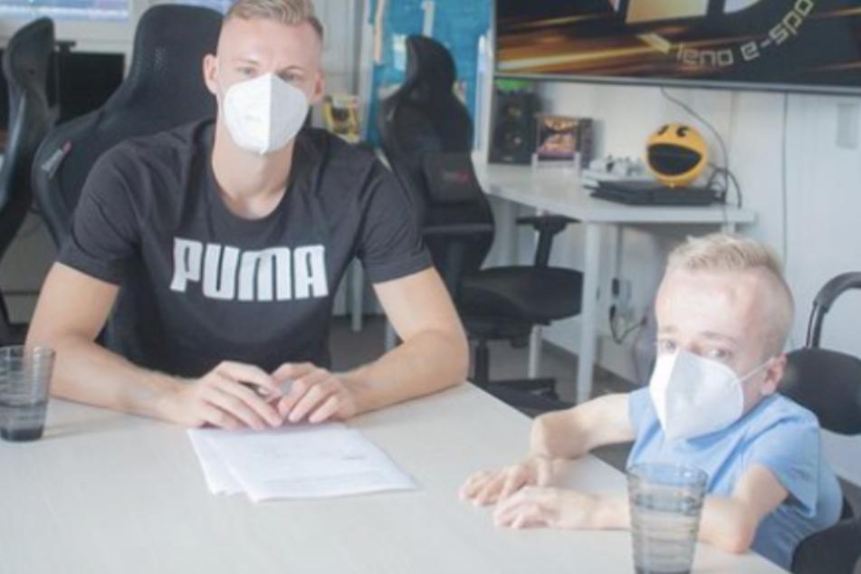 Stuttgart: Rollstuhl-eSportler Niklas lebt weiter seinen Traum: Nach dem Aus beim VfB rief Bernd Leno an