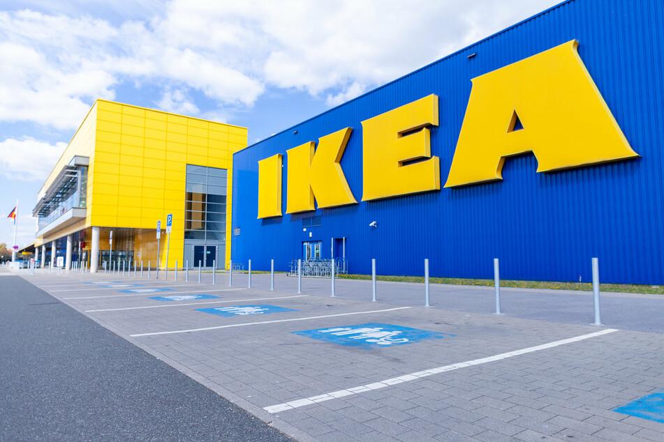 IKEA bietet nun in zwei weiteren Möbelhäusern Impfungen an. (Symbolbild)