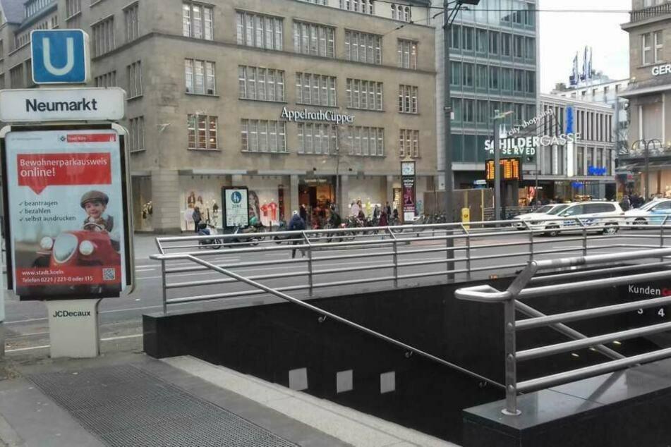 Nach Angaben der Polizei Köln hat ein Mann am Sonntag auf einen 60-jährigen Passanten in der Kölner Innenstadt eingestochen.