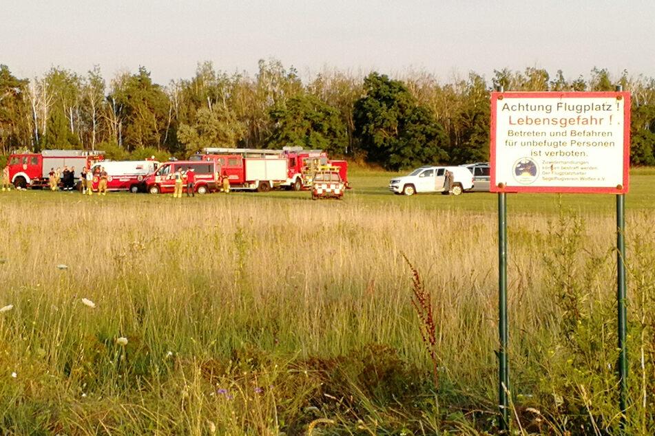 Am Sonntagnachmittag stürzte ein Kleinflugzeug in Sachsen-Anhalt ab. Der 55-jährige Pilot und zwei Teenager starben.