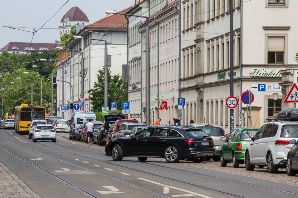 An der Friedrichstraße sind öffentliche Parkplätze rar.