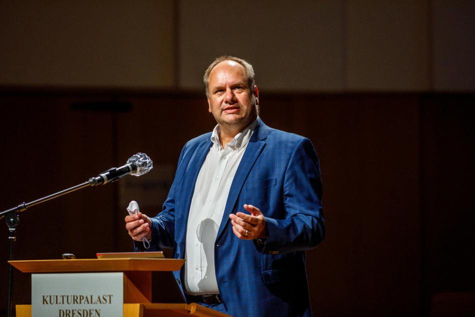 """""""Wir werden uns immer an Recht und Gesetz halten"""": OB Dirk Hilbert (48, FDP) zu den Kritikern des Verkehrskonzeptes."""