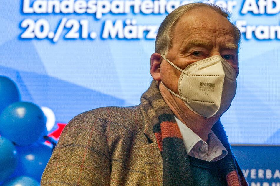Alexander Gauland, Vorsitzender der AfD-Fraktion im Bundestag, nimmt in der Brandenburg-Halle am Landesparteitag der AfD Brandenburg teil. Der 80-Jährige wurde auf Platz 1 der AfD-Landesliste gewählt.