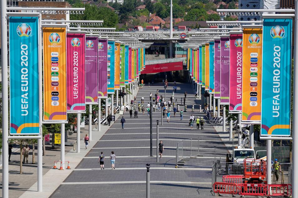 London: Ein Blick auf den Weg zum Wembley-Stadion, vor der bevorstehenden Fußball-Europameisterschaft 2020.