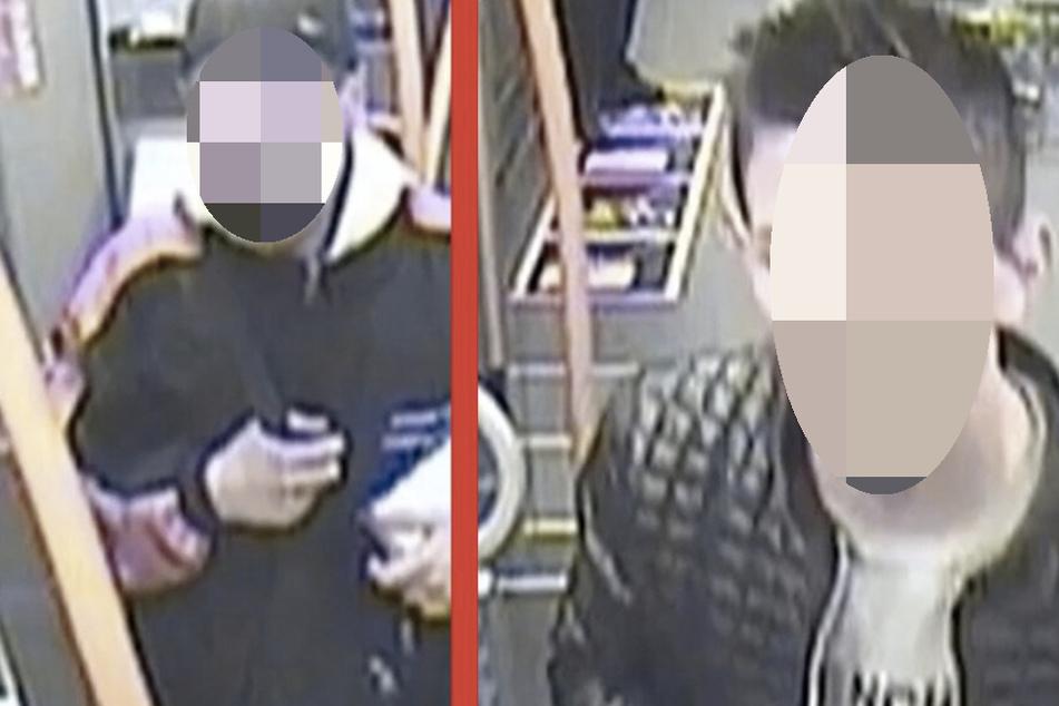 Der Teenager links spuckte die Zugbegleiterin an, der junge Mann rechts trat ihr mit dem Fuß gegen den Kopf.