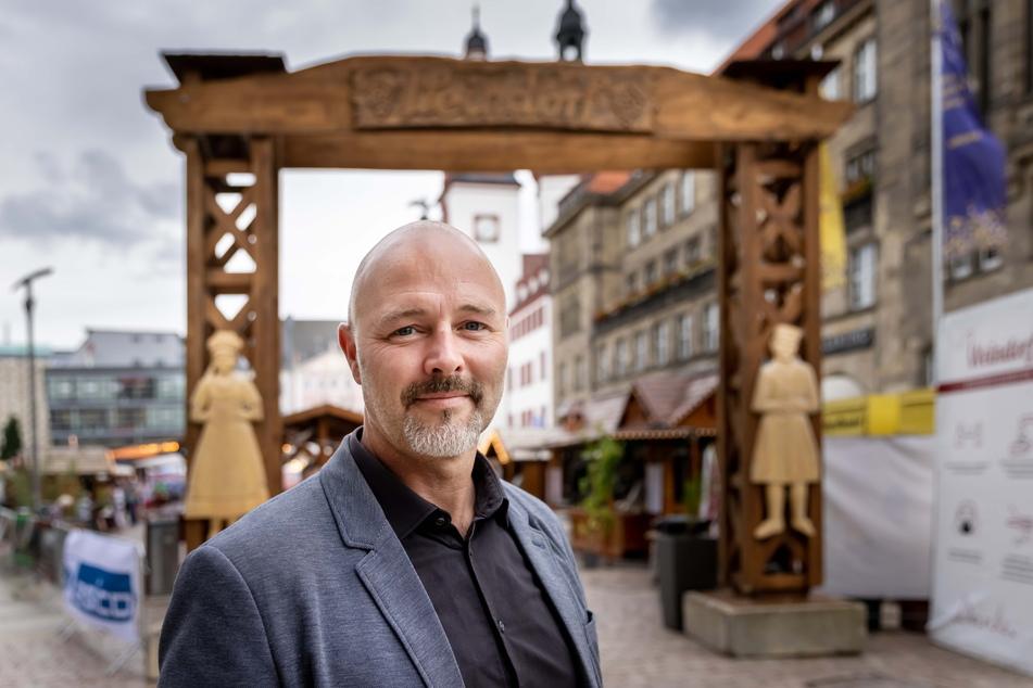 AfD-Stadtrat Nico Köhler (44) kritisiert, dass die Entgelt-Entlastung für den Veranstalter nicht den Budenbesitzern zugute kommt.