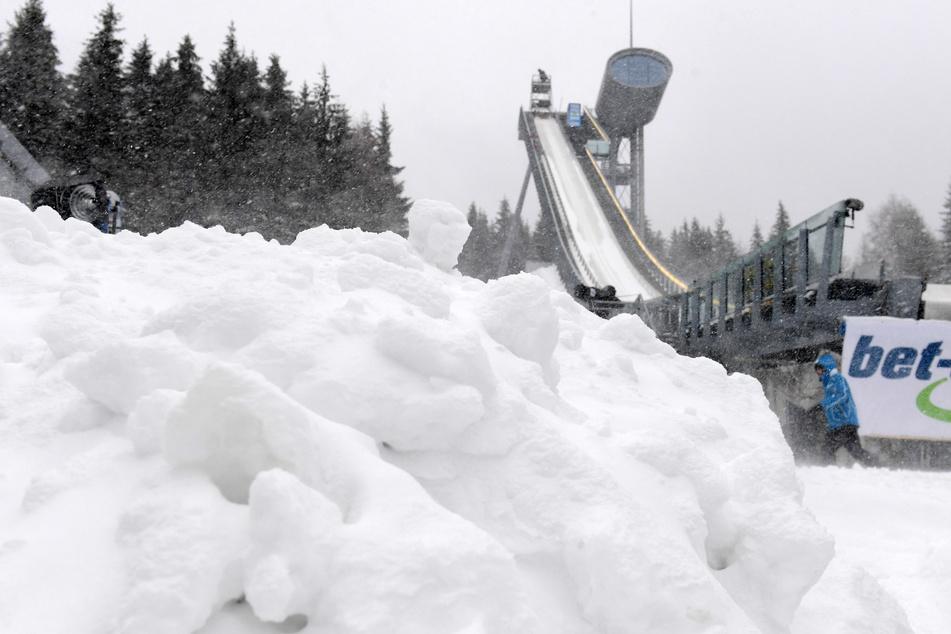 Nur 50 Starter: Skisprung-Quali in Klingenthal durch Prolog ersetzt