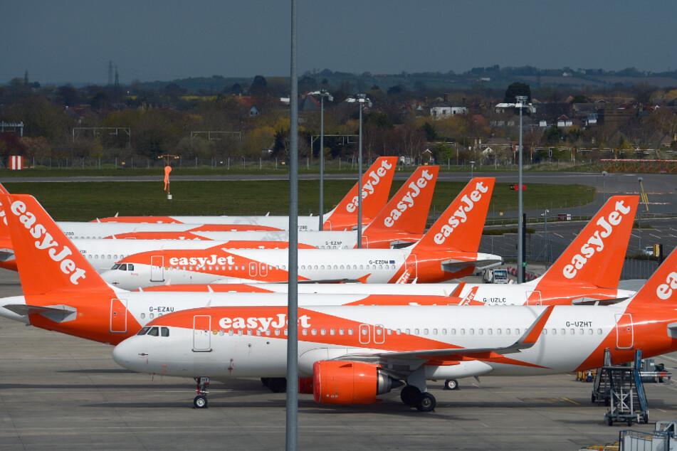 Flugzeuge der britischen Fluggesellschaft Easyjet stehen auf dem Flughafen London Southend.