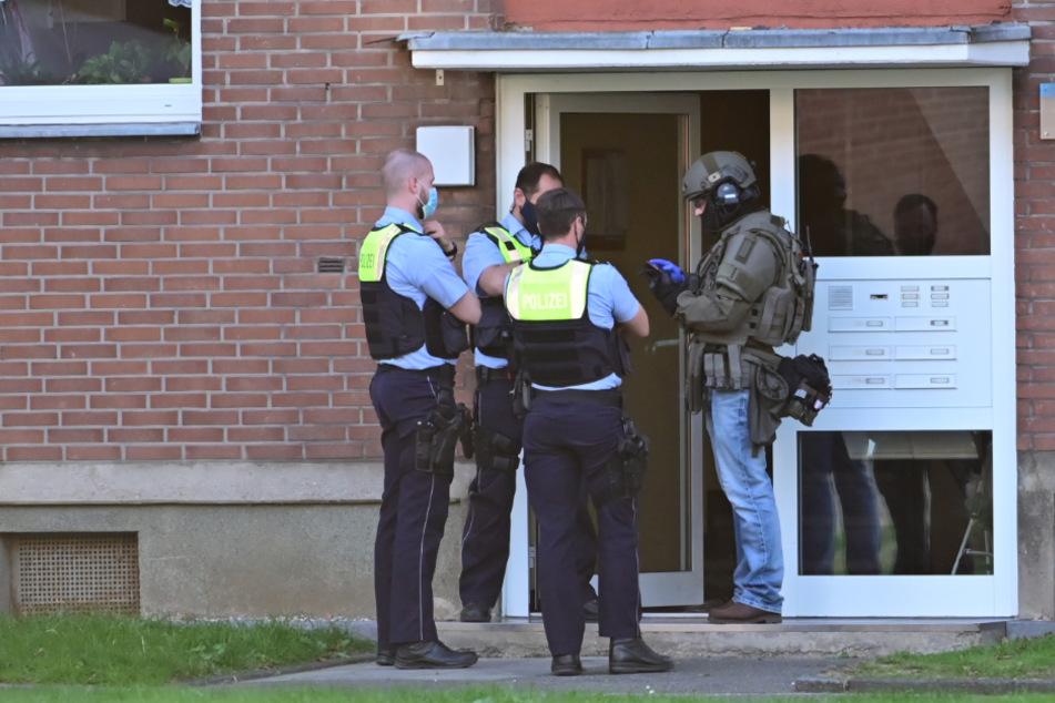 SEK-Einsatz in Krefeld: Hatte sich Vater mit Kindern in Wohnung verschanzt?