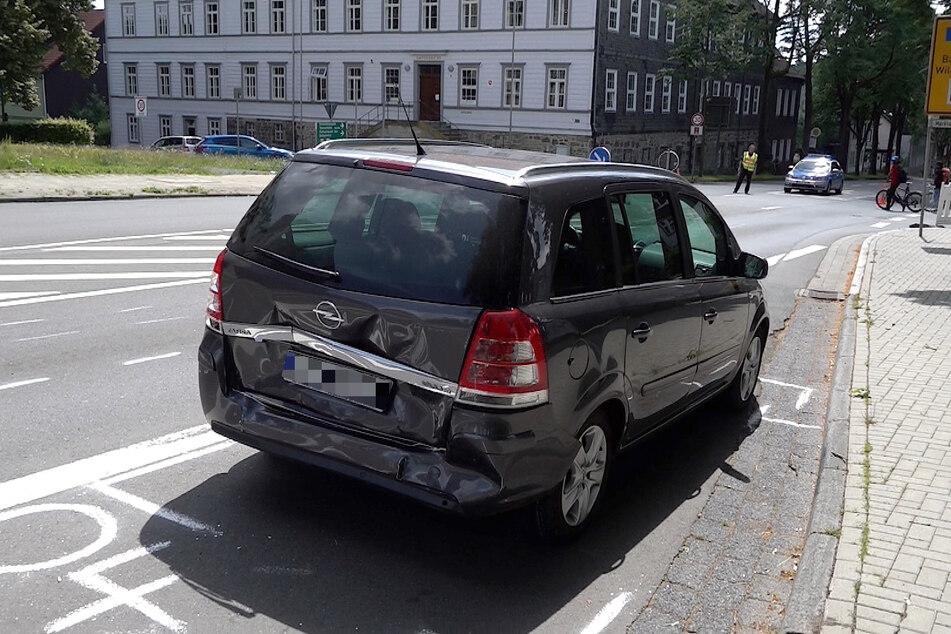 Alle vier Insassen dieses Wagens mussten ebenfalls im Krankenhaus behandelt werden.