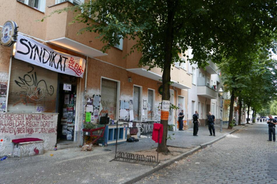 """Am 7. August wurde in Berlin-Neukölln die Kiezkneipe """"Syndikat"""" von der Polizei geräumt."""
