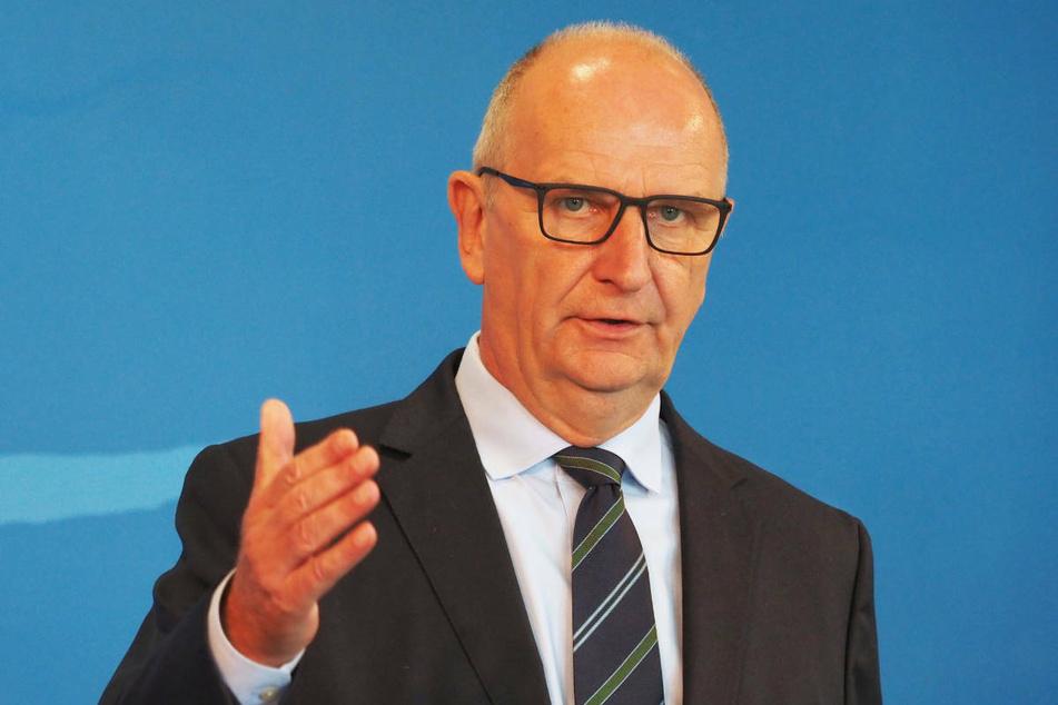 Ministerpräsident Dietmar Woidke (59, SPD) hat am Donnerstag angekündigt, dass Brandenburg wegen des Rückstands gegenüber anderen Bundesländern zusätzlichen Corona-Impfstoff erhält.