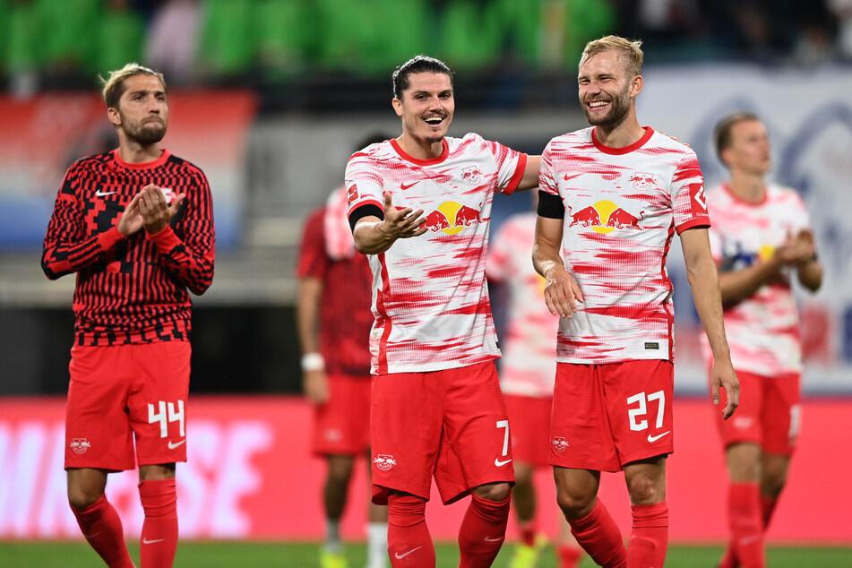 Der FC Bayern hat Kontakt zu Leipzigs Konrad Laimer (24, r.) aufgenommen.