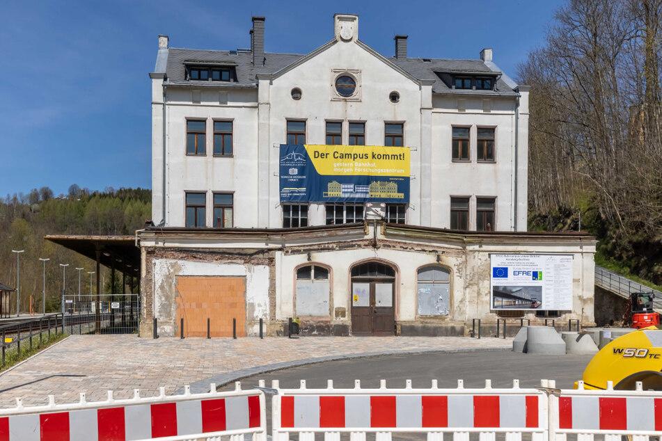 Am Unteren Bahnhof in Annaberg-Buchholz wird aktuell fleißig gebaut.